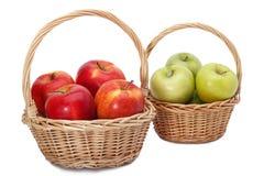 Korgar av äpplen Royaltyfri Bild