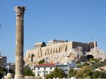 Korinthische Ordnungsspalte des olympischen Zeustempels Lizenzfreies Stockbild