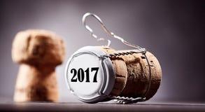 Korka i metalu butelki nakrętka z 2017 datą na końcówce Zdjęcie Stock