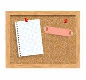 Korkbrädet med den klämde fast pappers- notepaden täcker den realistiska vektorillustrationen Royaltyfri Bild