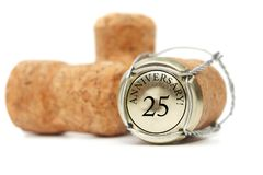 Korken auf weißem Hintergrund Jahrestag 25 Lizenzfreies Stockfoto