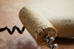 Korkenzieher zwei mit Weinkorken Stockfoto