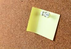 Korkowa deska z kartą Zdjęcie Stock