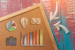 Korkowy deski i biznesu ikony papieru cięcie Obrazy Stock