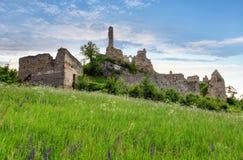 斯洛伐克-城堡Korlatko废墟  免版税库存照片