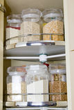 Korn im Glasnahrungsmittelspeicherglas Lizenzfreies Stockbild