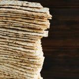 8 Korn organischer Flatbread Stockfotos