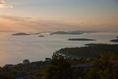 Kornati - visión desde la isla de Murter Fotografía de archivo