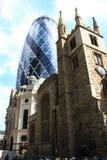 Korniszon i kościół Zdjęcia Royalty Free