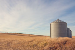 Kornsilo Autumn Landscape Arkivfoton