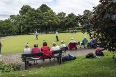 Korona kręgli Zielony dopasowanie w parku w targowym miasteczku Sandbach Anglia Zdjęcia Royalty Free