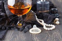 Koronkowa bielizna i kondom koncepcja bezpieczny seks Fotografia Royalty Free