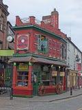 korony ulica historyczny kirkgate teren Leeds z karawanseraj restauracj? s?awn? dla sw?j ozdobnej powierzchowno?ci fotografia stock