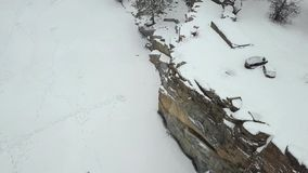 Korostyshevsky花岗岩猎物的鸟瞰图在冬天降雪期间的 Verhivnya 乌克兰 股票录像