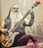 Korpillaani vive en banda de heavy metal de la gente del concierto 2016 Fotos de archivo