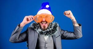 Korporacyjni wakacyjnego przyjęcia pomysłów pracownicy kochają Korporacyjny przyjęcie gwiazdkowe Mężczyzny modnisia odzieży Santa zdjęcie stock