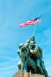 Korpusu Piechoty Morskiej Wojenny pomnik pod niebieskim niebem Zdjęcia Stock