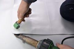 Korrektes Schweißen mit Handschweißer, Ecke Lizenzfreie Stockfotografie