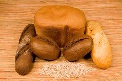 Korrel en brood Stock Foto