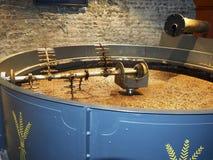 Korrel het bewegen de distilleerderij Dublin Ireland van de machinewisky Stock Afbeelding
