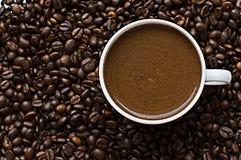 Korrel zwarte koffie Stock Afbeelding