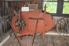 Korrelreinigingsmiddel bij Amish-Landbouwbedrijven wordt gebruikt dat stock foto