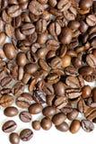 Korrels van koffie. stock foto's