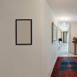 Korridor av ett modernt hus arkivfoto