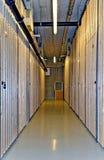 Korridor an einem Keller stockfoto