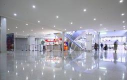 korridor för affärsmitt arkivfoto
