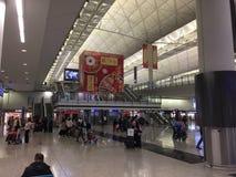 Korridor för ankomster Hong Kong för internationell flygplats fotografering för bildbyråer