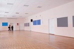 Korridor i en skola Royaltyfria Foton