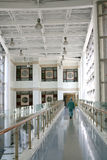 Korridor i ett sjukhus royaltyfri fotografi