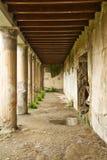 Korridor i Herculaneumen royaltyfria bilder
