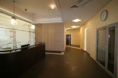 Korridor i kontoret fotografering för bildbyråer