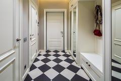 Korridor i modern stil fotografering för bildbyråer