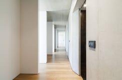 korridor long fotografering för bildbyråer