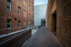 Korridor och byggnader på George Washington University, i Washi Arkivfoto