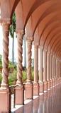 Korridor och kolonner arkivfoto