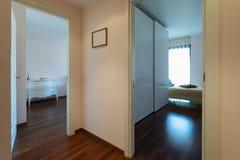Korridor och sovrum två royaltyfri fotografi