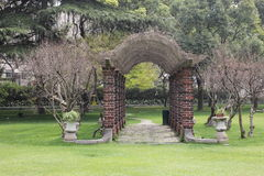 Korridor på gräset Arkivbilder