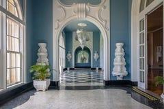 Korridor på hotellet för kasino för Quitandinha slott det tidigare - Petropolis, Rio de Janeiro, Brasilien arkivfoton
