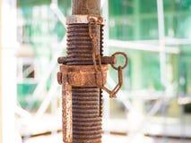 Korrodierte alte Verbindungsstückspirale, verrostetes Werkzeug Lizenzfreies Stockbild