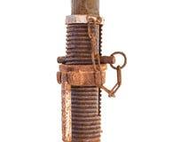 Korrodierte alte Verbindungsstückspirale, verrostetes Werkzeug lokalisiert auf weißem BAC Lizenzfreies Stockfoto