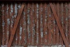 Korrosion av metallyttersida och erosion av målarfärg rostig yttersida arkivfoton
