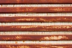 korrugerad metall rostade Arkivfoto
