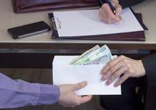 Korruption und Bestechung lizenzfreies stockbild