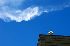 kors överst av taket Royaltyfria Foton