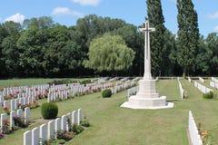 Kors av den offerWytschaete WW1 kyrkogården Belgien Arkivfoton