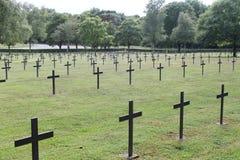 Kors i den tyska WW1 militära kyrkogården, St Mihiel, Frankrike Arkivbild